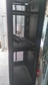 Thanh lý tủ rack apc AR3100 1